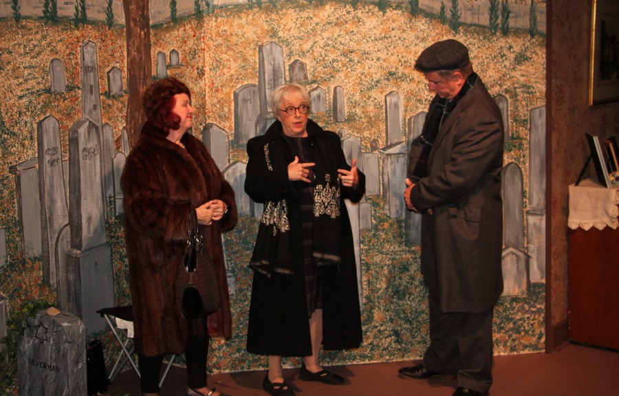 Lucille played by V~ Dumas Wines Doris played by Ruthellen cunnally Sam played by Don Kom